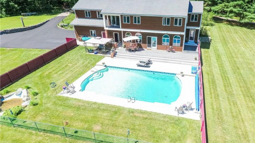 760 Alewive Road Kennebunk, Maine 04043 For Sale