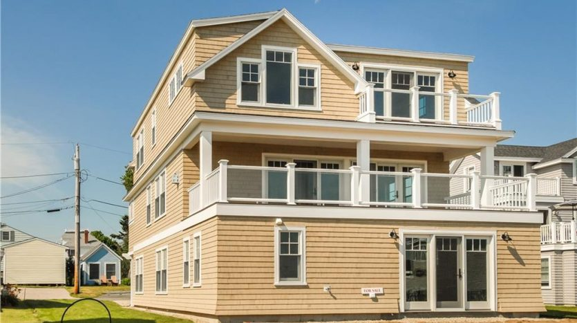 For sale Beach House 475 Webhannet Drive Wells, Maine